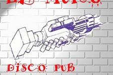 El Muro, Bar